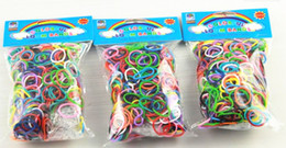 500packs (color de la mezcla de 600 PC / paquete) Banda de muñeca de goma de Bnads con 25 S-Clips sin embalaje de la caja al por menor
