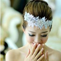 Wholesale New Vintage White Lace Crystal Bridal Wedding Flowers Pieces Hair Accessories Comb Pins Pearl Beaded Headband Tiara Rhinestone Jewelry Favor