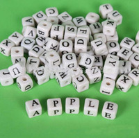 Wholesale 2900pcs mm White Acrylic Loose Beads Necklace DIY Cube Capital Alphabet Letters Spacer Beads Letters Mixed