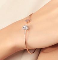 Wholesale High quality inlaid crystal heart opening bangles women s fashion gold bangle cheap top sale