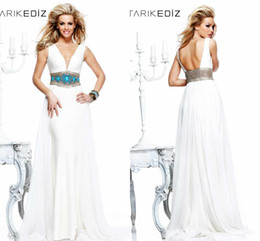 White Tarik Ediz V-Neck Evening Dress Handmade Beads Open Backless Party Gowns Chiffon V-Neck Party Gowns