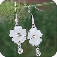 Wholesale Shipping OE0095 Korean jewelry full hearts five leaves and flowers flash diamond earrings Korean g