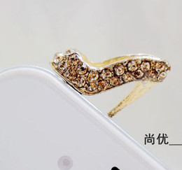 Wholesale 10Pcs Luxury Diamond Bling Bling high heeled shoes jack dust cap plug for iPhone S C S mobile phone accessories