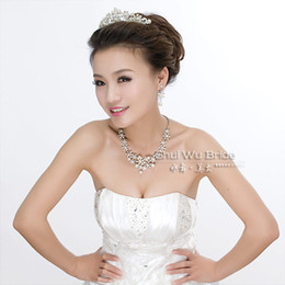 Wholesale Swarovski Elements Wedding And Party Accessories Bridal Jewelry Sets diamond With Pearls Tiara Earrings Necklace