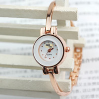 Selling over a million simple fashion bracelet watch lady wa...