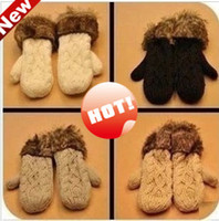 Wholesale Ms Winter latest cute twist knitted mittens thick warm fur fashion Halter wool gloves colors