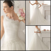A-Line Reference Images One-Shoulder Natural Graceful Organza A-Line Wedding Dresses One-Shoulder Sweep Train Bridal Gowns Lace Flowers Appliques Dress Pleat Gown