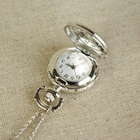 Wholesale Cute Antique Quartz Pocket Watch Necklace Electronic Pocket Watch Steampunk Bronze Engraved Silver Pedant watch necklace GIFT Free Shiping