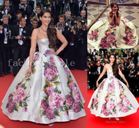 Reference Images Strapless Satin Sonam Kapoor Nice Dress in Cannes Film Festival Evening Dresses Backless and Print Flowers Satin Celebrity Dresses BO3084