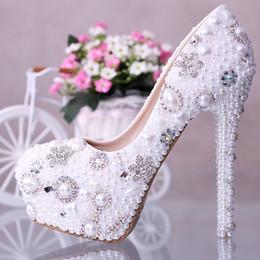 Perles de diamant hauts talons à vendre-2015 chaussures de mariage New Fashion Perle Crystal Diamond perles chaussures de mariée Slip étanche sur de hauts talons Lady Pompes