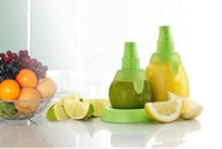 Wholesale New sets BPA Creative Home Gifts Fruit Spray Tool Juice Juicer Lemon Sprayer Fruit Squeezer Kitchen Tool