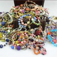 al por mayor jadeíta del jade brazalete de cuentas-La nueva vendimia del wristband de las pulseras de la manera rebordeó la joyería de piedra de los granos de la piedra preciosa de la pulsera del encanto de los colgantes JADEITE La pulsera colorida Christm de la joyería del brazalete