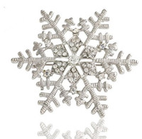Wholesale Recommend Pretty Snowflake Brooch Silver Crystal Lady Dress Beanie Hat Accessories Brooches Christmas Gift