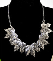 Wholesale Womens Canada Maple Leaf Necklace Retro Exaggerated Metal Statement Choker Necklaces Jewelry