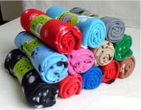 Wholesale Hot Sale pieces Lovely Design New Pet Dog Cat Paw Print Couture Fleece Blanket Mat Random Color