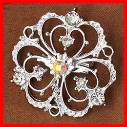 Vintage Silver Suits Fashion Brooch 3 Love Flower Rhinestone Women Dress Brooches Pins Good Quality 82829