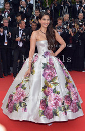 Wholesale 2014 Pageant Dresses Sonam Kapoor Nice Dress in Cannes Film Festival Evening Dresses Backless amp Print Flowers Satin Celebrity Dresses BO3084