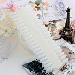 Wholesale New Arrival White Plastic Artificial False Half Fake Nail Art Tips Makeup DIY Flase Nail Art Tips Stick Display