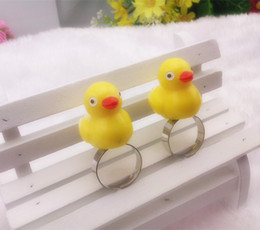 Popular Big Yellow Duck Rings Adjustabe Animal Rings Party Costume Jewelry R033