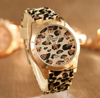 Wholesale Fashion Women Quartz Watch Geneva Ladies Wrist Watches Leopard Print Ladies Designer Brand Watches Luxury Watch Wristwatches Gold watches