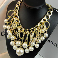 Wholesale European Style Gold Plated Alloy Link Chain Hoop Big Pearl Tassels Pendant Necklace In Stock Pieces