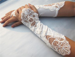 Wholesale Hot Sale In Stock Satin Beaded Appliques Lace Rhinestone Below Elbow Length Fingerless Wedding Accessories Evening Wedding Bridal Gloves