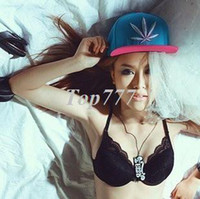 Wholesale Men and women hat flat brimmed hat cap flat brimmed hat hip hop hip hop hat summer hat Korean version of the influx of Maple Leaf