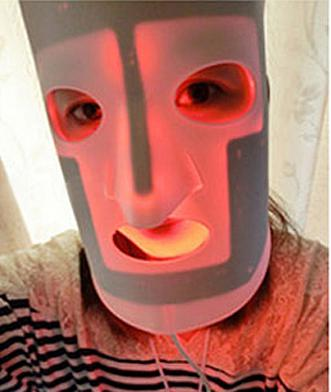 Red light face mask with led light therapy for skin care wrinkle