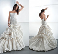 Hot Sale!Famous 2014 A Line Wedding Dress Strapless Sleevele...