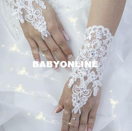 Wholesale Hot Sale High Quality Write Ivory Fingerless Short Paragraph Elegant Rhinestone Bridal Wedding Gloves