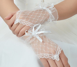 Wholesale 2014 Cheapest White Gloves Short Bridal Gloves peral In Stock Black And Red Wedding Gloves