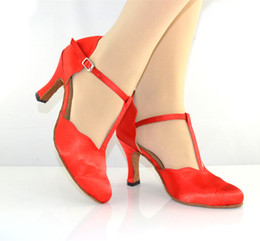 Wholesale Red Ladies Latin shoes Latin dance shoes Adult header with modern dance shoes ballroom dancing shoes high heeled women wear