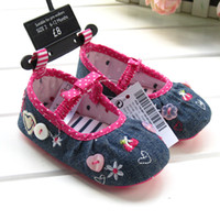 Wholesale Lovely girls first walkers cowboy Embroidered love baby shoes handwork buttoning antiskid Toddler shoes