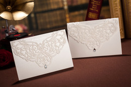 Wholesale Perfect design hellow out diamond CW3129 Invitation card Wedding Invitations come envelopes sealed