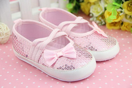 Wholesale Hot Sale New Spring and Autumn Baby s sequins toddler shoes bowknot cross lacing first walking shoes