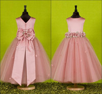 Wholesale Beautiful Pink Handmade Flower Jewel Flower Girl Dresses With Exquisite Sash Little Girl Pageant Dress Taffeta Birthday Gowns Cheap Bow