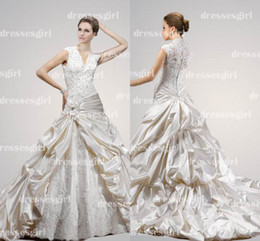 Wholesale Elegant New V Neck Applique Ruffles Short Sleeves Chapel Train Lace Wedding Dresses MGN207