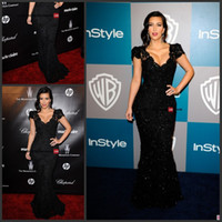 Wholesale Kim Kardashian Black Beaded Lace Evening Gown Celebrity Dress Replicas Golden Globes Party Dress Crystal evening Gowns Prom Dress