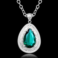 Wholesale Valentine s day gift Fashion green crystal stone Handmade Women jewelry Pendant with chain necklace tracking number P0613