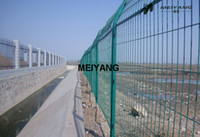 Wholesale wire mesh fence barrier fence