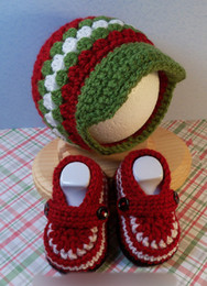 Wholesale 5 off Red green combination crochet baby shoes hat suit Baby clothes Cheap shoes optional Set