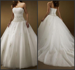 Wholesale 2014 Custom Made Strapless Ball Gowns Ruffled Satin Tulle Applique Chapel Wedding Dresses Bridal Gowns