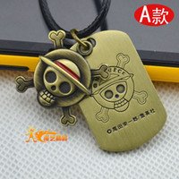 one piece skull bracelet al por mayor-One Piece Cosplay Anime cráneo Priate con Tag Pulsera collar nuevo regalo