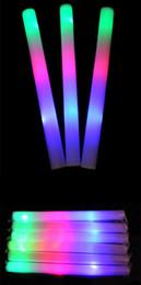 Conduit mousse bâton clignotant en Ligne-200pcs multi couleur matériau mousse changeant led glow stick noël Concert électronique Multicolor éponge stick stick flash