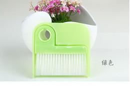 Wholesale Mini Desktop keyboard cleaning brush sweeping household broom dustpan broom tool piece of plastic garbage