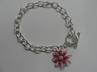 Wholesale Low inventory liquidation sales silver TO fashion Flower Pendant Bracelet