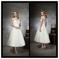 Model Pictures alexander black - 2014 Vintage A Line Justin Alexander Short Wedding Dresses V Neck Beaded Sequin Lace Ruffles Covered Button Bridal Gowns