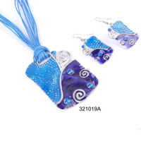 Wholesale Fashion Fresh And Country Style Earrings And Necklace With Shield Shape Pendant Jewelry Set