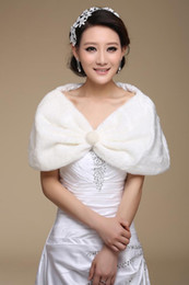 Wholesale LK New Ivory Bridal Shawl Faxu Fur Pearls Wedding Cape Pashmina Party Prom Evening Stole Formal Tippet Jacket Hot sale