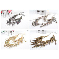 Wholesale S5Q Fashion Vintage Punk Rock Chili Pepper Shape Spike Rivets Fringe Costume Necklace AAAAZQ